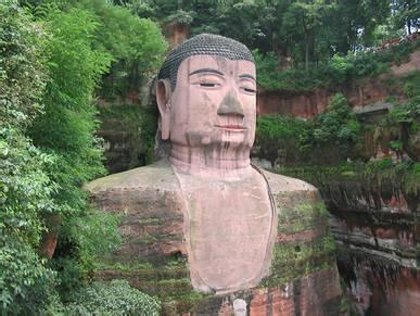 Go to Visit Leshan Giant Buddha by Chengmianle Railway