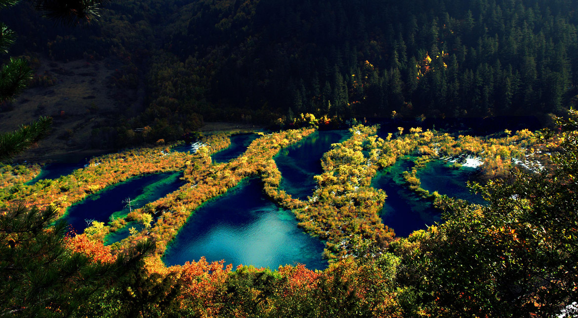 Jiuzhaigou Travel and Tours